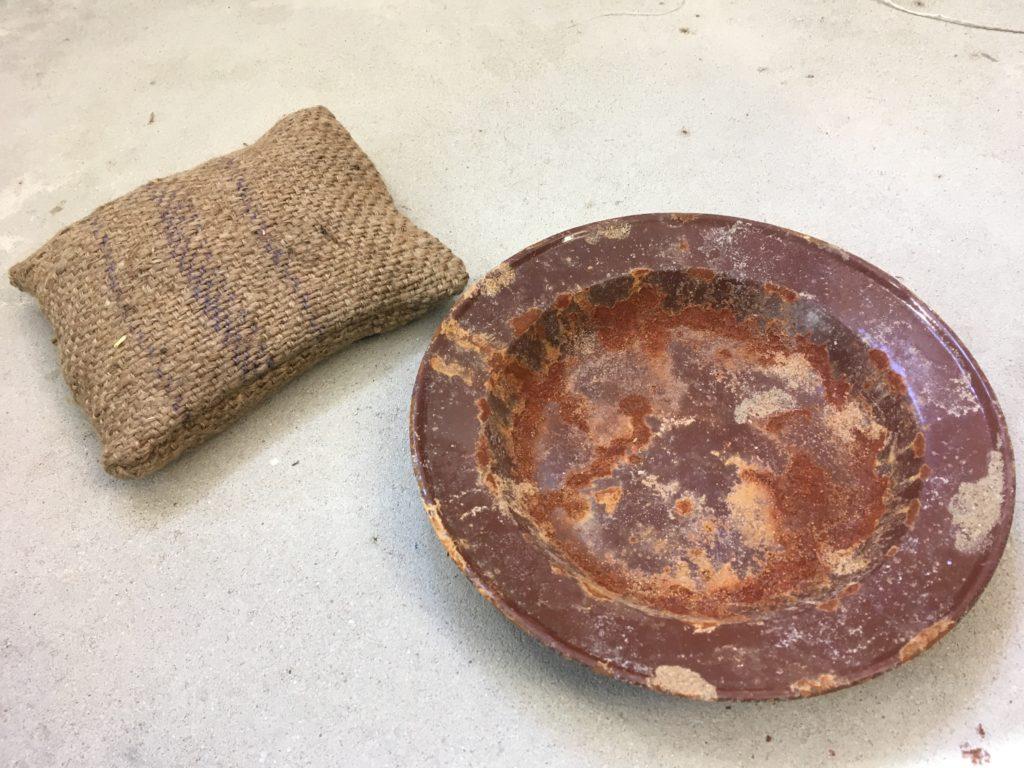 Blechschüssel eines Zwangsarbeiters