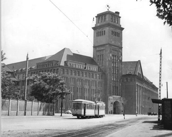 Peter-Behrens-Haus 1958 historisch