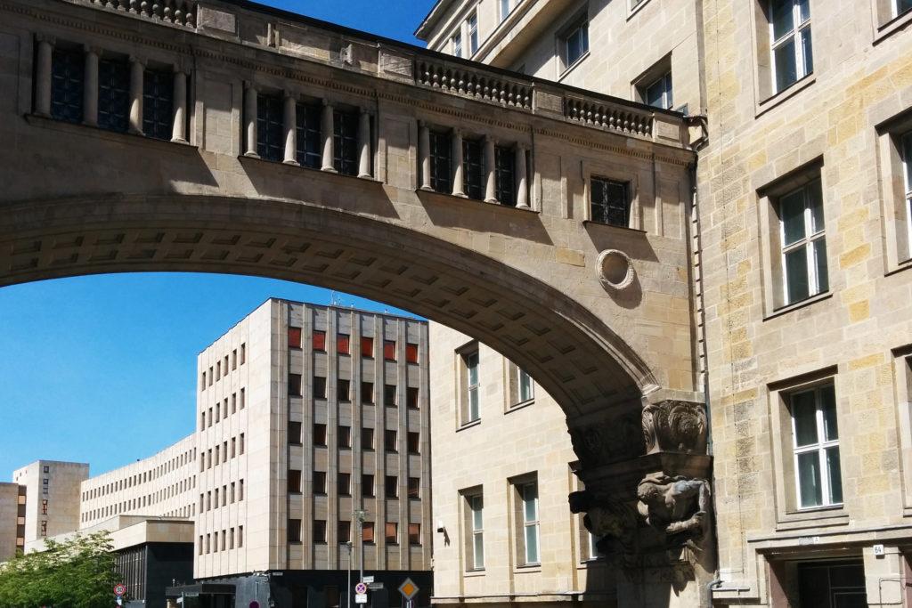 Deutsche Bank Verbindungsbrücke