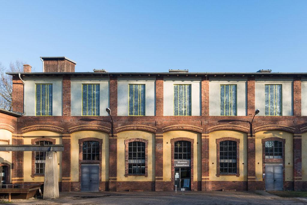 Museum Kesselhaus, Backsteingebäude mit Fensterfront